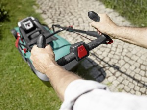 Bosch Rotak 43 LI Akku-Rasenmäher Griffe