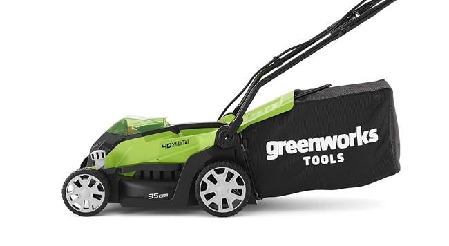 Der Greenworks G40LM35K2 Akkurasenmäher im Test